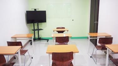 大型TVつきオプションクラス用教室